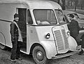 Laundry delivery truck- Worthington, Ohio 1939 (4062285156).jpg