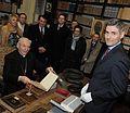 Le cardinal Poupard reçu à l'Inguimbertine par le conservateur Jean-François Delmas, le 6 mars 2009.jpg