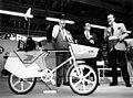 Le vélo électrique du facteur par Jean-Baptiste Pontecorvo.jpg