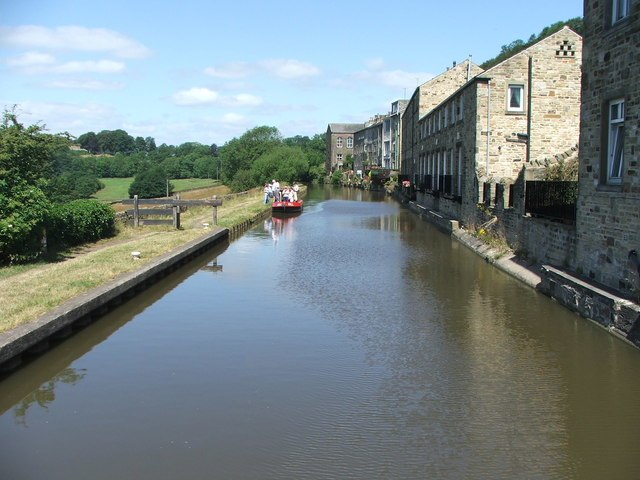 Leeds and Liverpool Canal at Kildwick