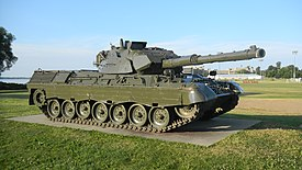 Leopard C2 MBT, RMC, CFB Kingston, 1.jpg