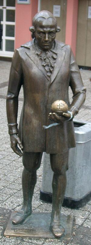 Georg Christoph Lichtenberg - Lichtenberg's monument at the marketplace in Göttingen