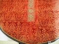 Mässhake röd Vadstena liljekors detalj.jpg