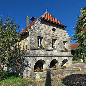La mairie-lavoir