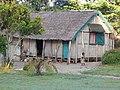 Madagascar. canal des pangalanes. habitation traditionnelle 1.jpg