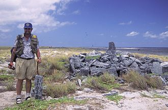 Malden Island - Image: Malden Island AKK ruins
