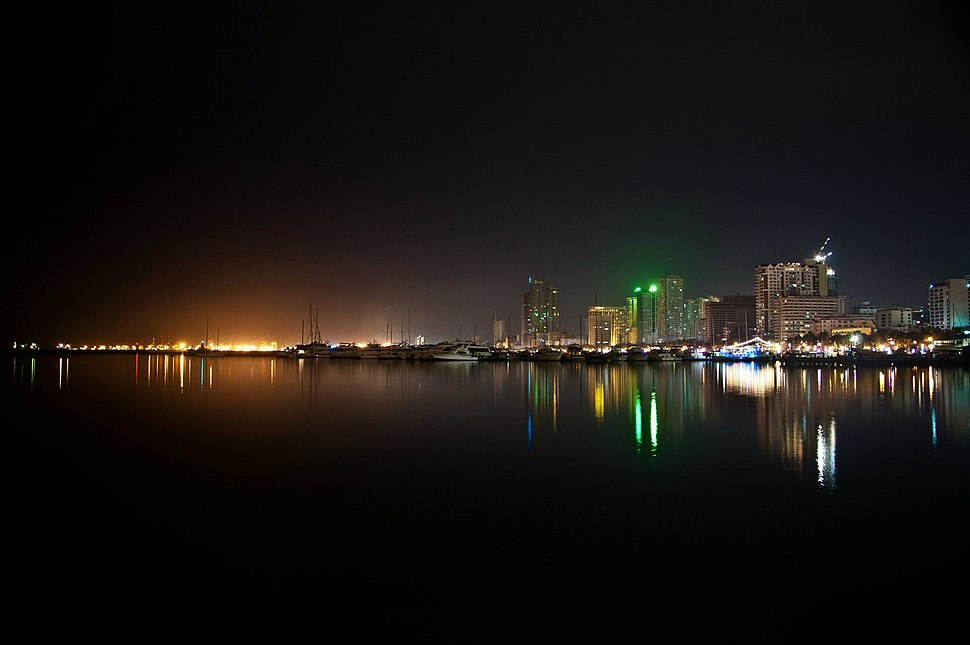 Manila Bay view from Harbour Square at night