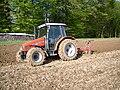 Massey Ferguson MF 4225 ploughing.jpg