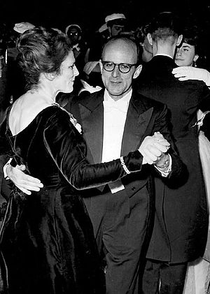 Max Perutz - Perutz with his wife Gisela at the 1962 Nobel ball