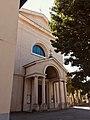 Merone - ingresso chiesa parrocchiale dei Santi Giacomo e Filippo verticale.jpg