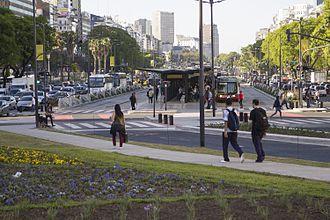 9 de Julio Avenue - Image: Metrobus 9 de Julio