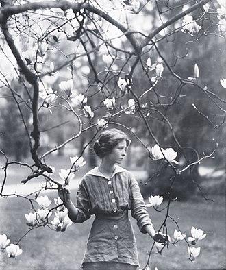 Edna St. Vincent Millay - Image: Millay magn