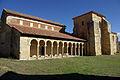 Monasterio de San Miguel de Escalada 55 by-dpc.jpg