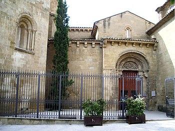 Entrada principal del monasterio