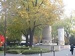 Monument aux morts de la police automne.jpg