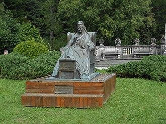 Elisabeth of Wied - Image: Monumento a Elisabetta di Wied, regina di Romania, castello di Peleș, Sinaia, Romania