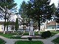 MonumentulAvramIancuHalmagiu.JPG