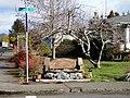 N 19TH ST Bench - panoramio.jpg