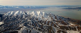 Oquirrh Mountains - North end of the Oquirrh Mountains, view from the descent to the Salt Lake City airport