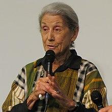 Un'altra immagine recente della scrittrice (2010)