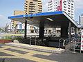 Nagoya-subway-M27-Jingu-nishi-station-entrance-2-20100316.jpg