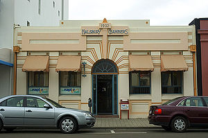 Napier, New Zealand - Halsbury Chambers (architect Louis Hay, 1932), Napier