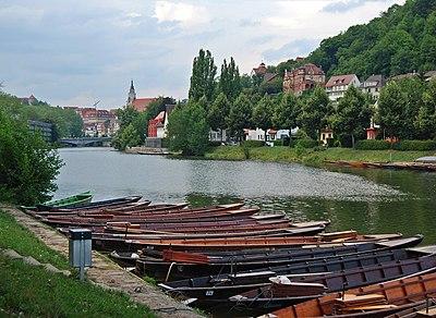 Neckarufer Tübingen Stocherkähne August 2013.JPG