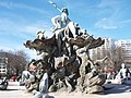 Neptunbrunnen - panoramio (1).jpg