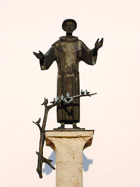 File:Neufahrn Kirche St. Franziskus Statue.JPG