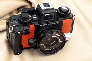 Nikonos - Nikonos V black/orange (also available in all green)