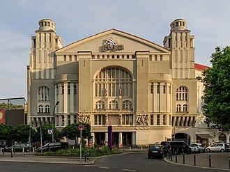 Erwin Piscator - The Piscator-Bühne in Berlin (1927–29), formerly known as Neues Schauspielhaus