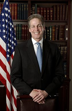 Norm Coleman official portrait.jpg
