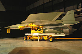 Un AGM-28 in un hangar