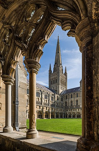 Norwich Cathedral - Image: Norwich Cathedral from Cloisters, Norfolk, UK Diliff