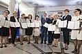 Nowi polscy eurodeputowani podczas uroczystości wręczenia aktów stwierdzenia wyboru do Parlamentu Europejskiego w Sali Kolumnowej Sejmu.JPG
