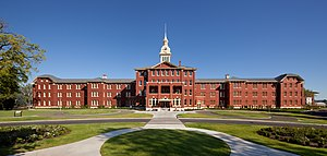 Oregon State Hospital - West facade of the original Kirkbride building of the Oregon State Hospital, 2011