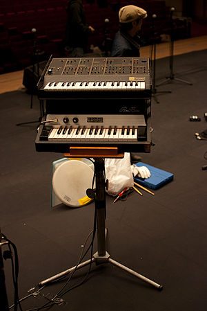 Keyboard bass - ARP Odyssey and Rhodes Piano Bass
