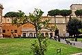 Ogrody Watykanu z drzewkiem cytryny. Ogród Pinii. - panoramio.jpg