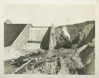 Kensico Reservoir - Old Kensico Dam being removed in 1911.