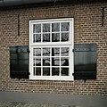 Overzicht van een raam met luiken - Oirschot - 20387615 - RCE.jpg