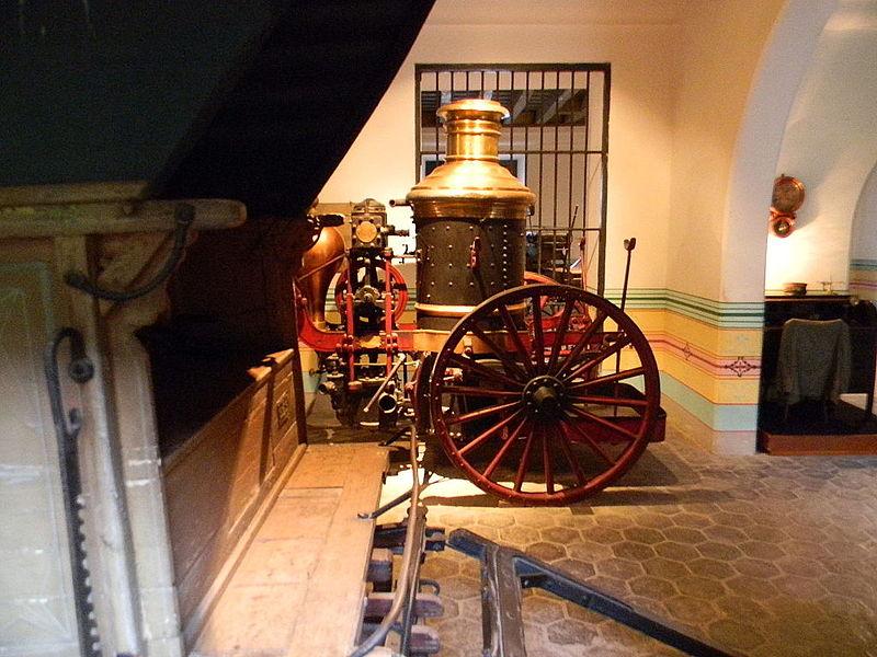 File:Palacio de los Capitanes Generales - Laslovarga03.JPG