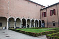 Palazzo dei Diamanti, Giardino interno.jpg
