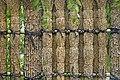 Palissade en bambous liés entre eux du jardin Kôko-En (Himeji, Japon) (46231534245).jpg