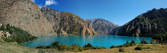 Panorama phoksumdo lake from camp