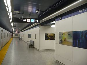 Pape station - Tile wall installation at the platform