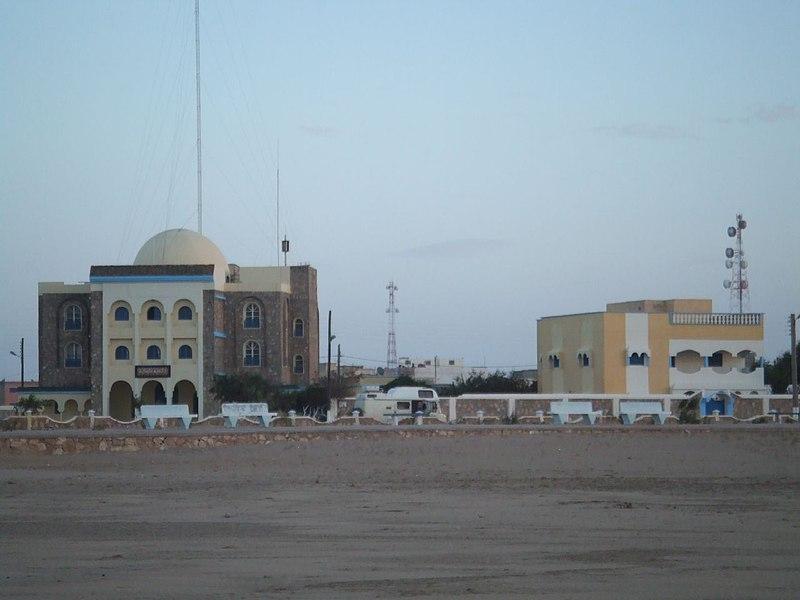 File:Paseo Maritimo en Tarfaya (Marruecos).jpg