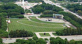 Petrillo lawn with the band shell in the upper right and Buckingham Fountain at the top in the background