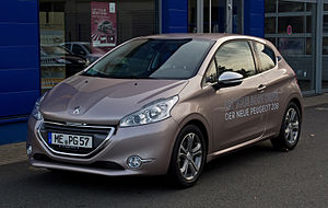 Peugeot 208 95 VTi Allure – Frontansicht (1), 28. April 2012, Ratingen.jpg