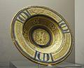 Plat de ceràmica balva i daurada, tallers de Manises, Museu de la Ciutat de València.JPG
