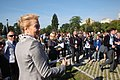 Prezydent miasta Łodzi Hanna Zdanowska przemawia do uczestników uroczystości zasadzenia nowych drzewek w Parku Ocalałych w Łodzi MZW DSC03411.jpg